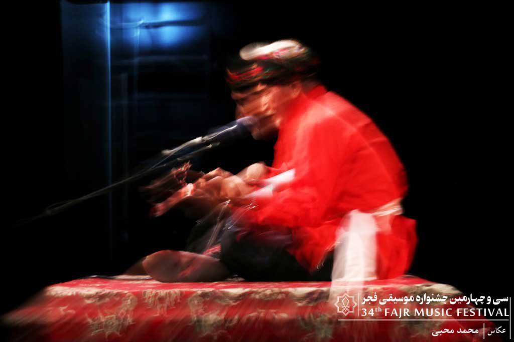گزارش تصویری اجرای برنامه تکنوازی دوتار قوچان/ علی غلامرضا آلمه جوق – گروه چاغابخشی/ ترکمن (حمید کم)