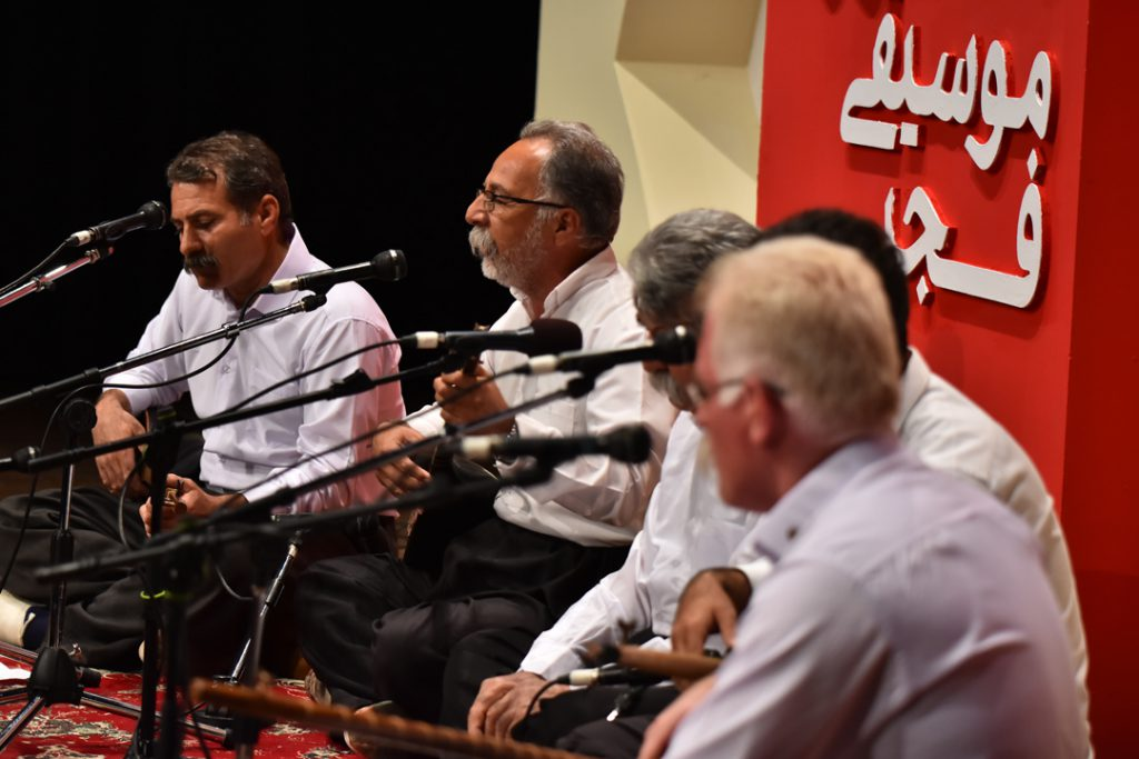 تنبورنوازان دالاهو/35 جشنواره موسیقی فجر