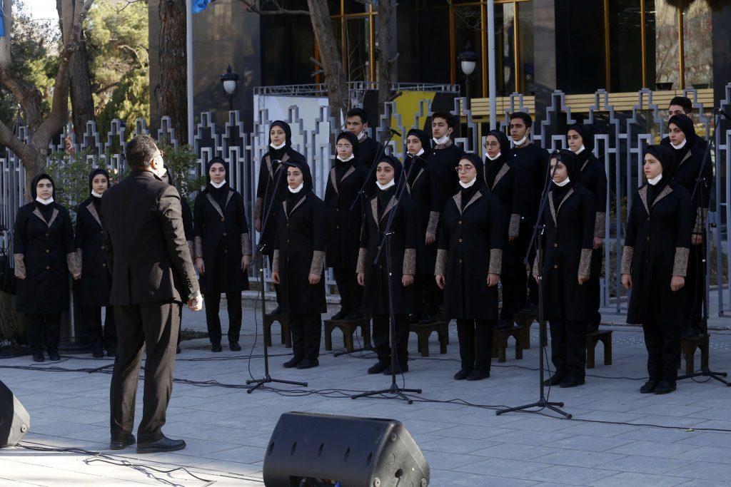 اجرای گروه سرود فرزندان ایران/سی و ششمین جشنواره موسیقی فجر