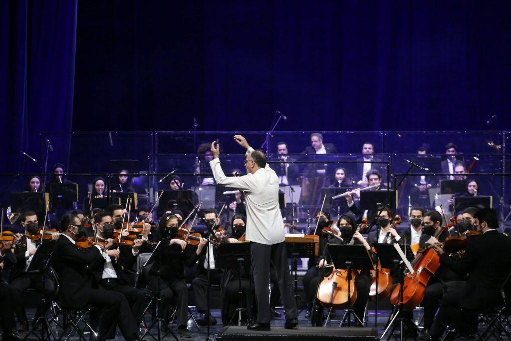 اجرای ارکستر سمفونیک تهران/سی و ششمین جشنواره موسیقی فجر